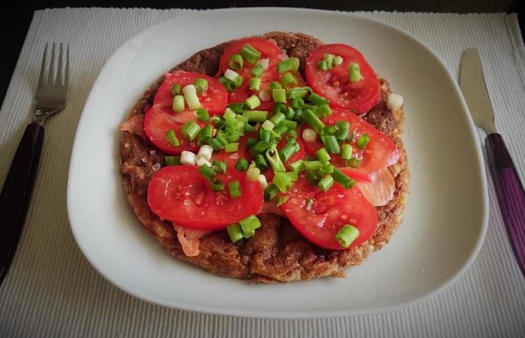 omlet z lososiem