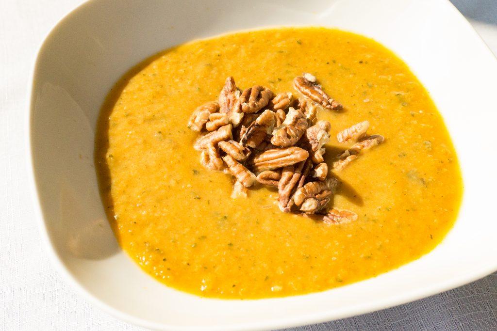 Paprykowa zupa-krem z cukinii